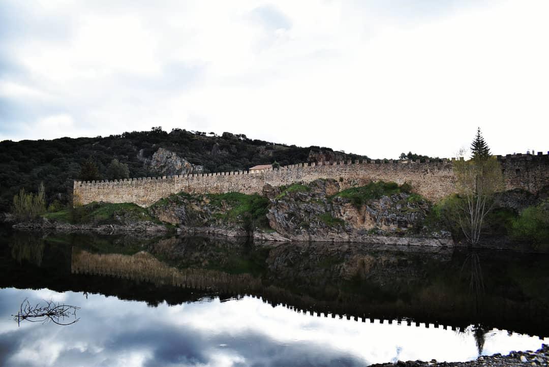 Muralla de Builtrago de Lozoya
